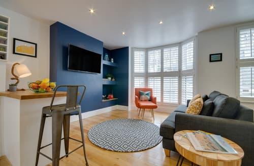 Last Minute Cottages - Apartment Twenty Eight