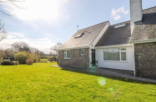 Last Minute Cottages - Splendid Llangefni Cottage S141187