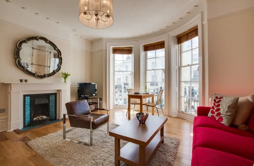 Last Minute Cottages - Captivating Hove Apartment S141195