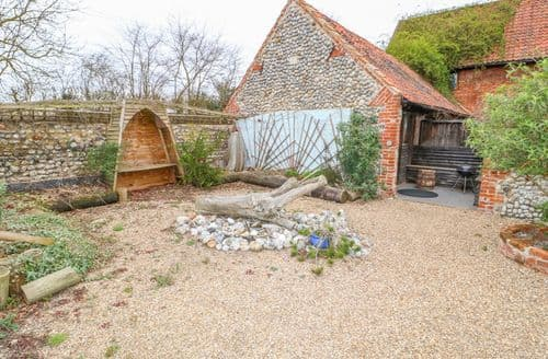 Last Minute Cottages - Driftwood Barn
