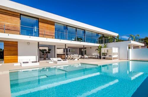 Last Minute Cottages - Villa Lucrecia
