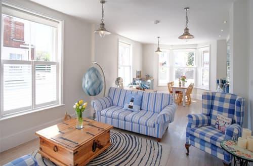 Last Minute Cottages - Attractive Southwold Apartment S141531