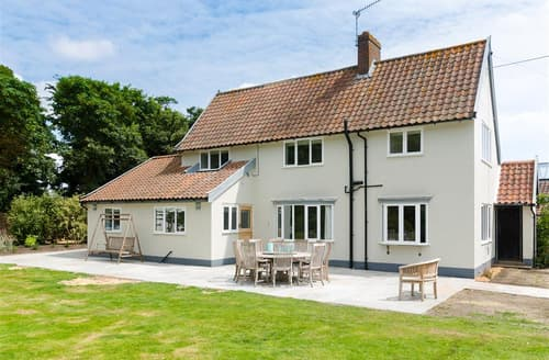 Last Minute Cottages - Admiral House