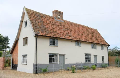 Last Minute Cottages - Lovely Metfield Cottage S141579