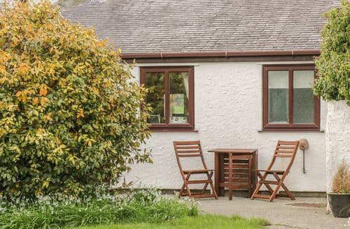Last Minute Cottages - Beautiful Moelfre Cottage S141728