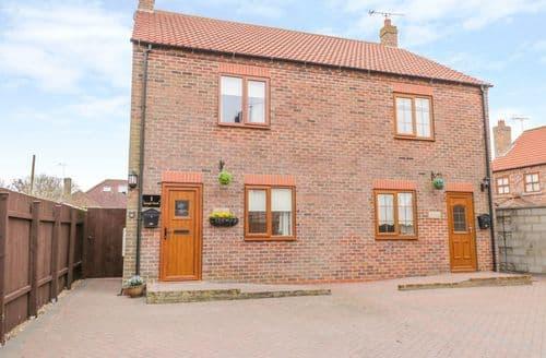 Last Minute Cottages - Cosy Flamborough Cottage S141730