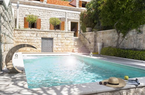 Last Minute Cottages - Villa Annette