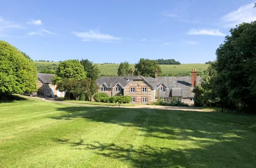 Last Minute Cottages - Melbury House
