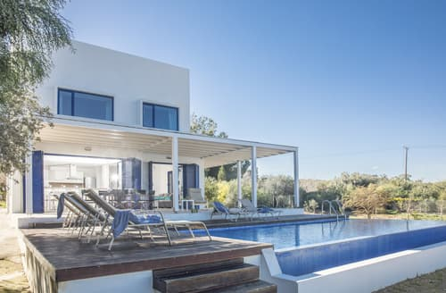Last Minute Cottages - Villa Fotios