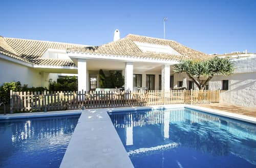 Last Minute Cottages - Villa Campanilla