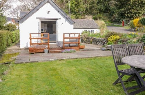 Last Minute Cottages - Pen Y Felin