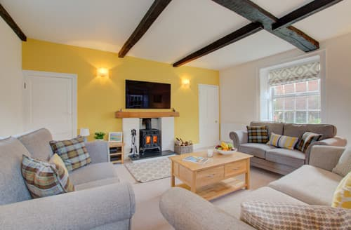 Last Minute Cottages - Ivy Farmhouse