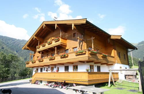 Last Minute Cottages - Almrausch