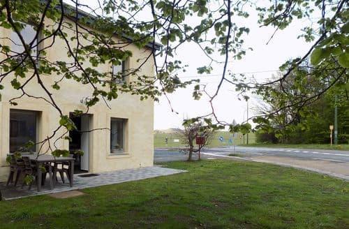 Last Minute Cottages - Le Tilleul