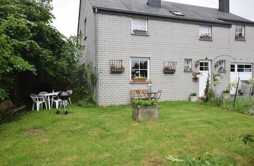 Last Minute Cottages - Captivating Carlsbourg Apartment S144127