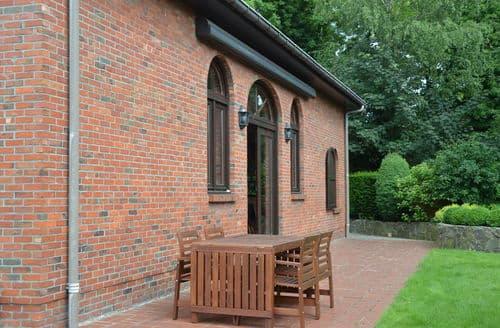 Last Minute Cottages - Maison Paula