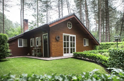 Last Minute Cottages - Delightful Oud Turnhout Lodge S144362