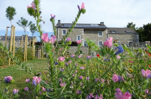 Last Minute Cottages - Wonderful Ouffet Cottage S144427
