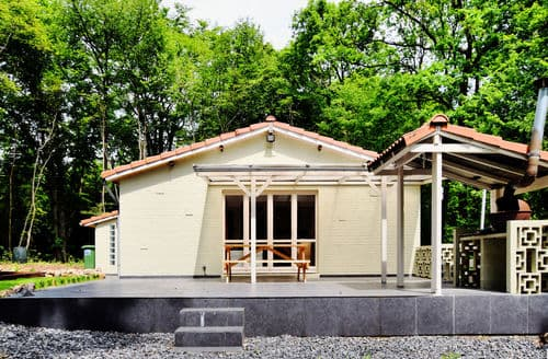 Last Minute Cottages - Le Paradis