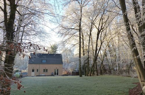Last Minute Cottages - Bois Joli