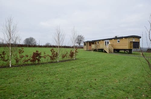 Last Minute Cottages - Lovely Vielsalm Lodge S145081
