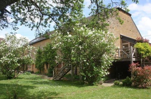 Last Minute Cottages - Le Pigeonnier