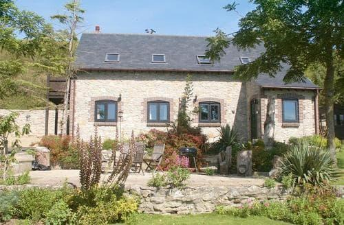 Last Minute Cottages - L'Atelier