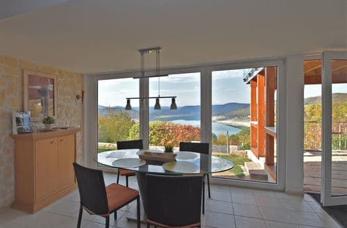 Last Minute Cottages - Stunning Waldeck Apartment S147352