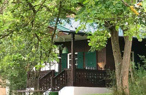 Last Minute Cottages - Charming Pähl Cottage S148294