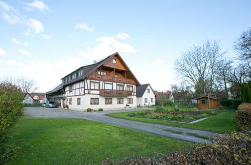 Last Minute Cottages - Cosy Ahausen Apartment S148367