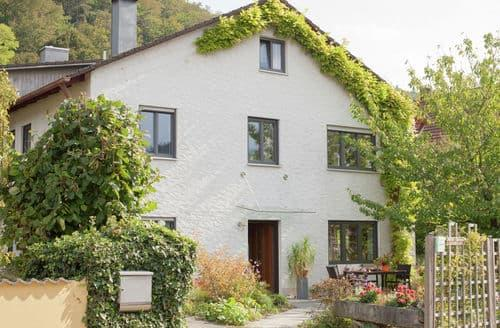 Last Minute Cottages - Lovely Dollnstein Apartment S148378