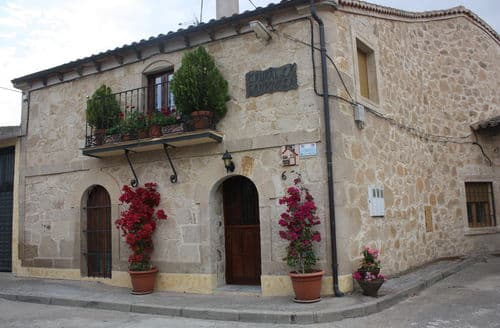 Last Minute Cottages - Casa Salamanca