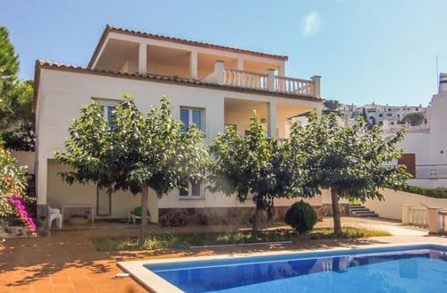 Last Minute Cottages - Villa Alba