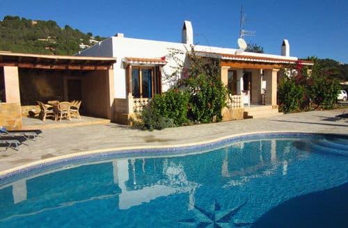 Last Minute Cottages - Villa Estrella
