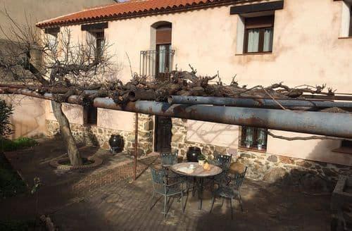 Last Minute Cottages - Casa Manuela