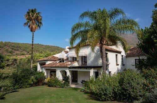 Last Minute Cottages - Villa Bermeja 12 persons