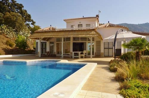 Last Minute Cottages - Casa Paola