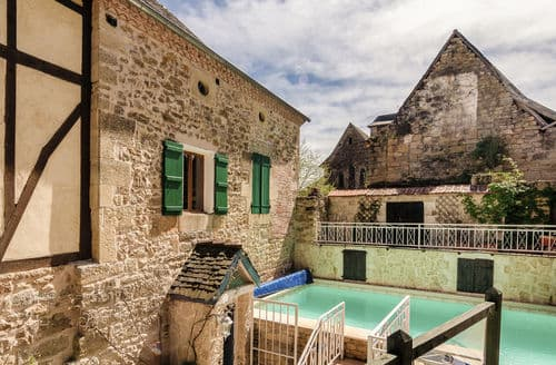 Last Minute Cottages - Coubjours 14P
