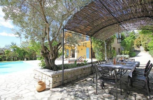 Last Minute Cottages - Villa Rosalie