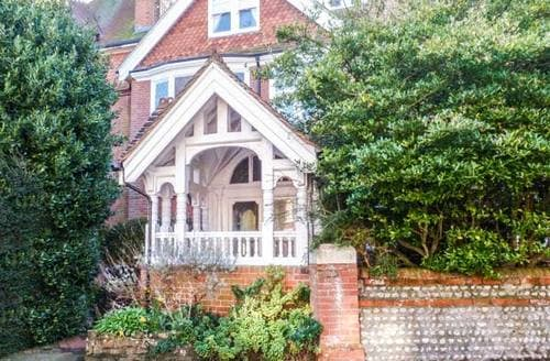 Last Minute Cottages - Exquisite Eastbourne Rental S4553