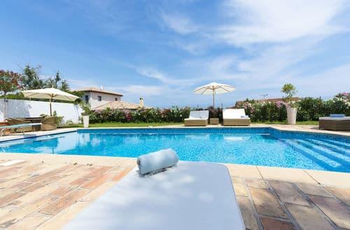 Last Minute Cottages - Villa Climatisée Vue Antibes