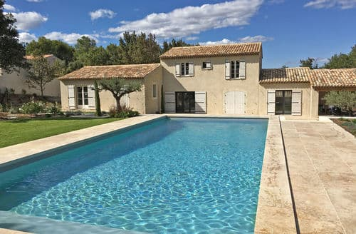 Last Minute Cottages - Bastide provencale