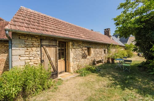Last Minute Cottages - La Petite