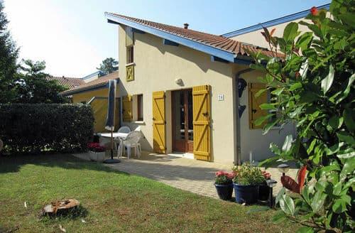 Last Minute Cottages - Village Océlandes