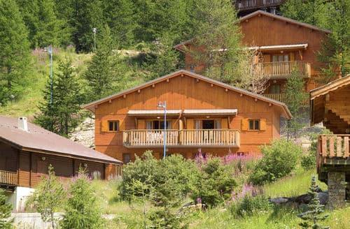 Last Minute Cottages - Chalets de la Diva 2