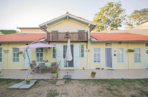 Last Minute Cottages - Chez nous