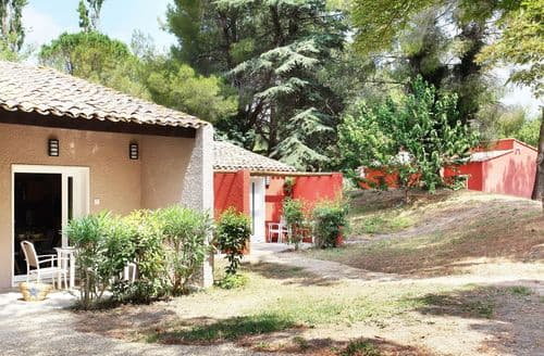 Last Minute Cottages - Le village Camarguais Les Gardians 3