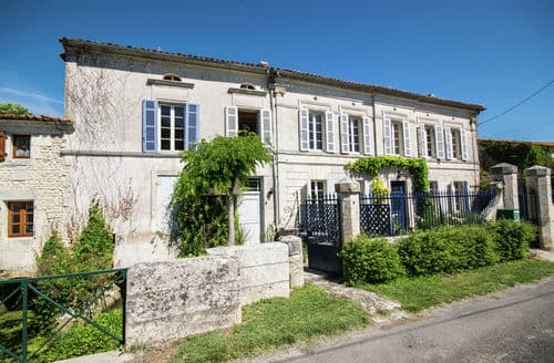 Last Minute Cottages - Le grand Meunier
