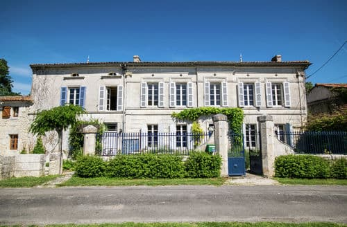 Last Minute Cottages - Le Meunier