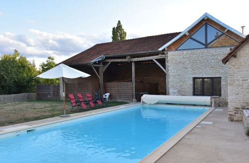 Last Minute Cottages - Le Commandant